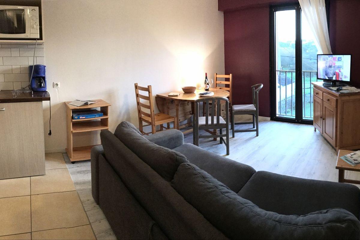 appart-hotel-bout-du-monde-camaret-sur-mer-residence-salon_opt